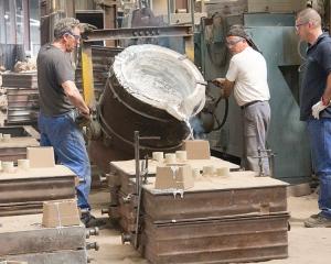 Capacité de 3 tonnes de métal liquide